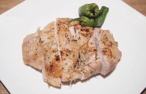 チキンのオーブン焼き(ローズマリー).JPG