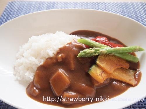 strawberryP6123101レトルトカレー夏野菜.JPG